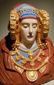 dama de elche policromada